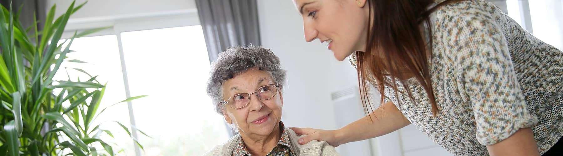 Sie sind Angehörige einer pflegebedürftigen Person und suchen nach einer Haushaltshilfe?